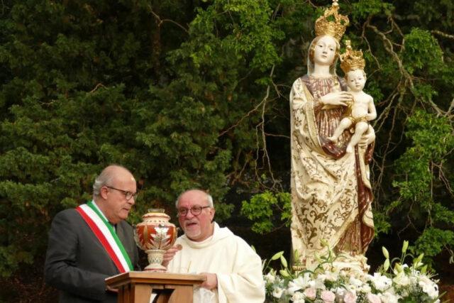 Gratteri dona l'olio alla Madonna di Gibilmanna