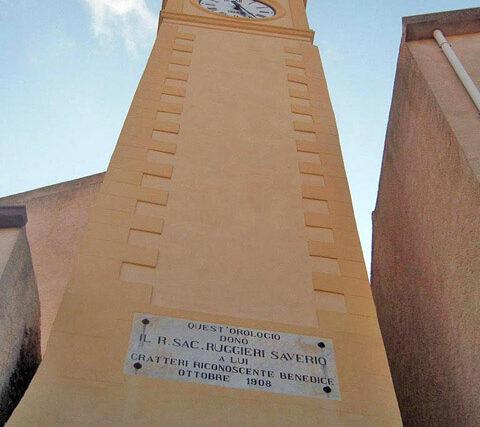L'orologio fermo e il tempo a Gratteri