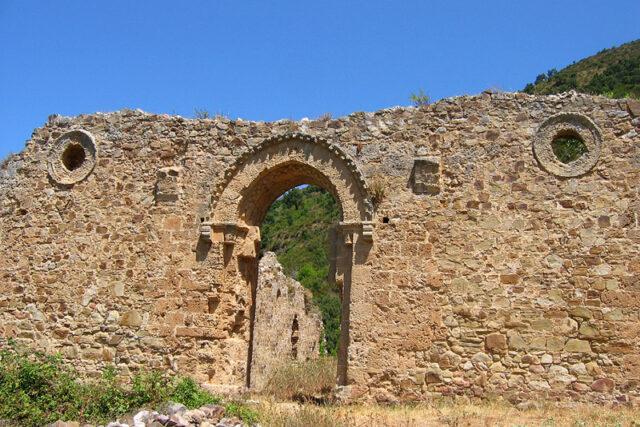 L'Abbazia San Giorgio non inserita nell'itinerario arabo-normanno dell'Unesco