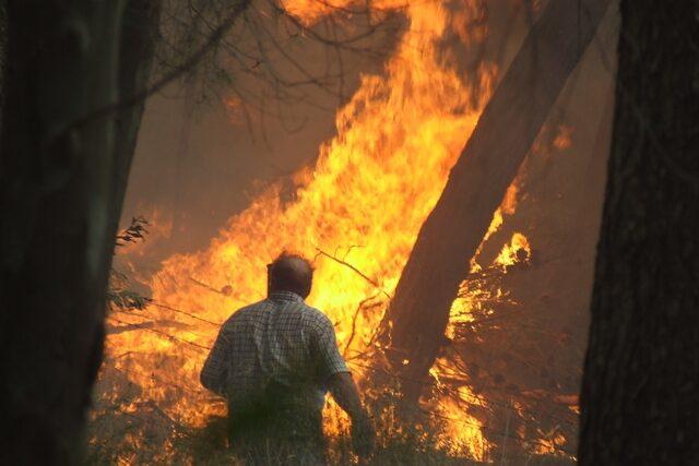 Gratteri circondata dal fuoco