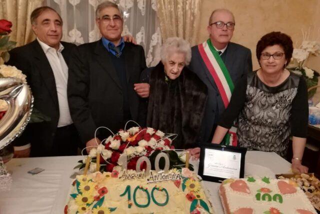 I 100 anni di nonna Antonina Grasso