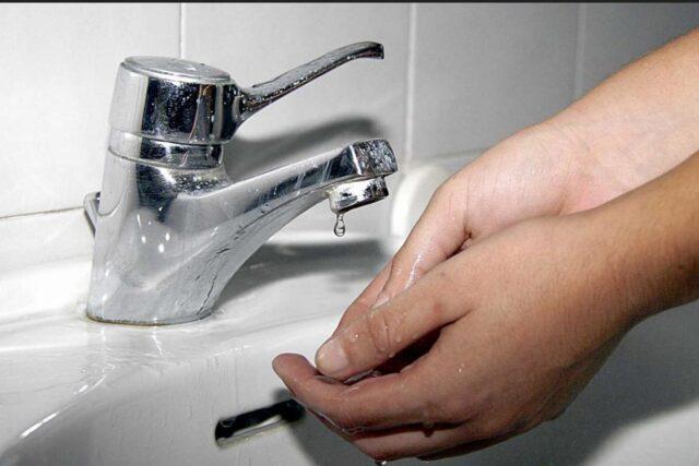 Manca l'acqua: si sospende l'erogazione idrica